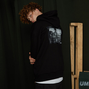 [UMM] INSTANT PHOTO HOODIE / BLACK