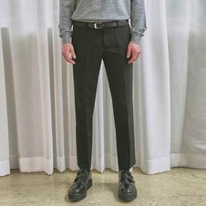 [얀13] SLIM TAPERED FIT SLACKS_BLACK