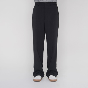 Semi Wide Relax Half Banding Slacks_Black